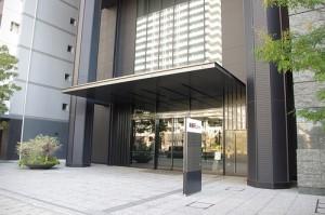 楽天タワー2号館の入口